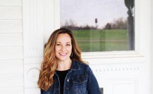 Jenny Hale author pic - Apr-18